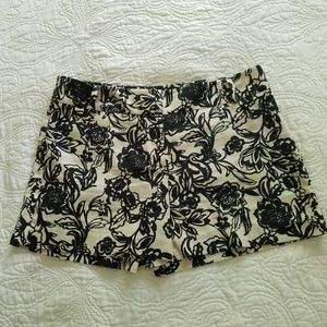Ann Taylor Loft black and white floral print Short